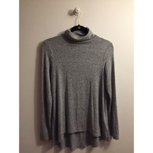 Gray turtleneck. Size Small.